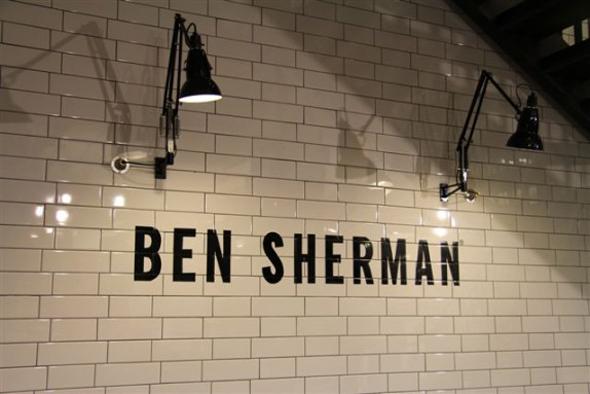 imagen del interior de una tienda Ben Sherman