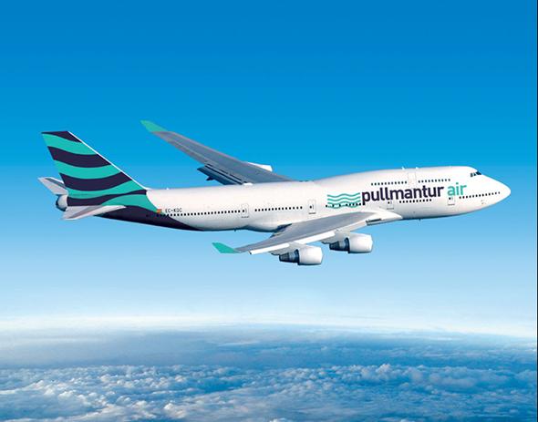 pullmantur imagen de avion con la imagen de la marca
