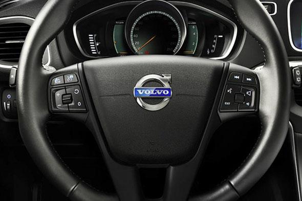 Volante con el nuevo símbolo de Volvo - Brandemia_