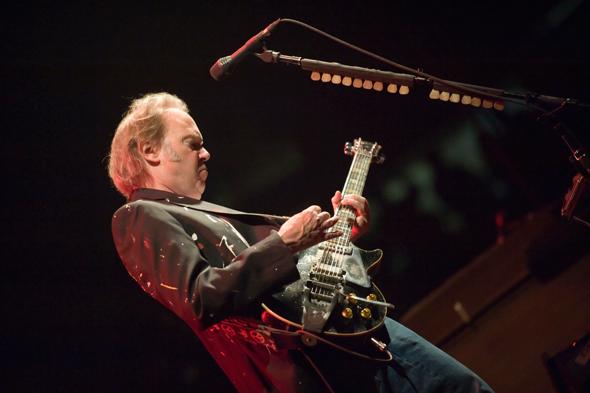 Gibson imagen de guitarra en un concierto