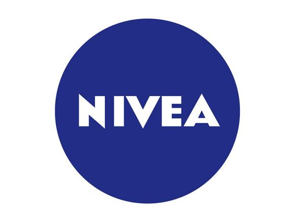 nivea logotipo nueva imagen corporativa de la marca de cremas