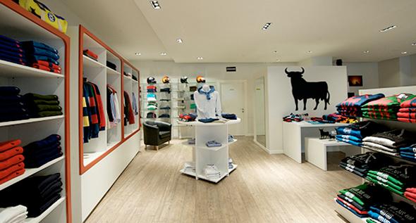 Imagen del interior de una tienda de ropa Osborne