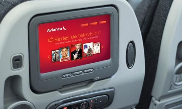 Avianca asiento de avión con vídeo incorporado mostrando la nueva imagen corporativa