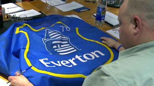 imagen de una camiseta del Everton FC