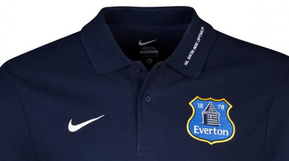 everton imagen del polo con el nuevo escudo del Everton fc