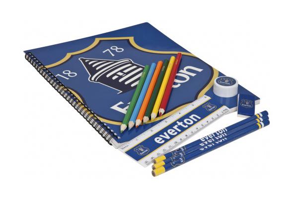 cuaderno con el logo del Everton
