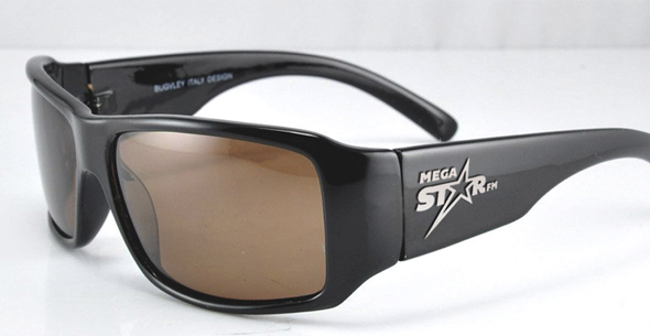 MegaStarFM gafas personalizadas con el logo de la cadena de radio