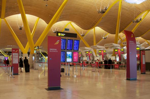 publicidad Iberia en aeropuerto de Barajas