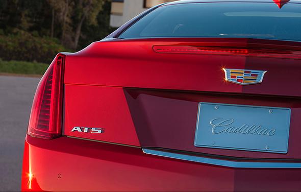 Cadillac-New-Logo-Crest-2014-NAIAS-4