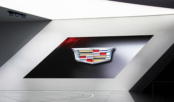 Cadillac-New-Logo-Crest-2014-NAIAS-6